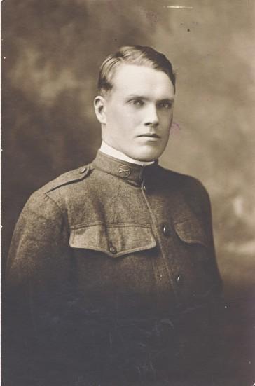 Ukjent mann i uniform i min mormor slekt