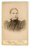 Ukjent portrett av dame fra min slekt.
