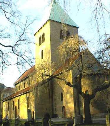 Gamle Aker kirke hvor Ole Christian ble begravet.